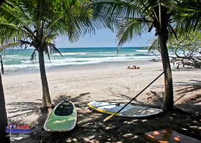 Lady SUP surfers at Costa Rica SUP Camps